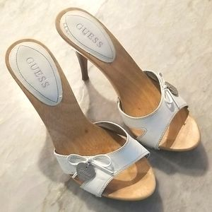 GUESS Womens Wooden Heeled Sandal Size 9